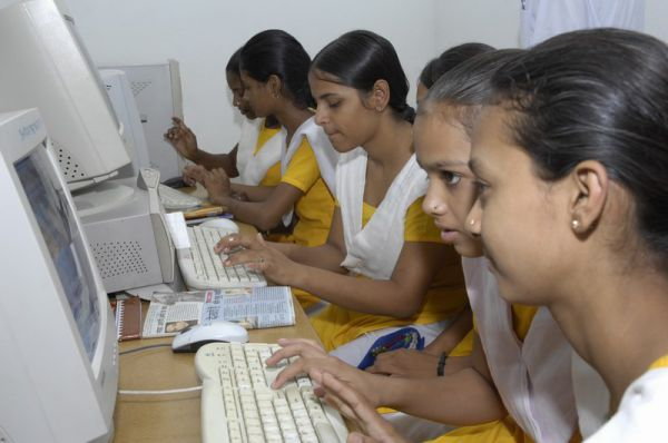 Girls at computers (Jadan School)